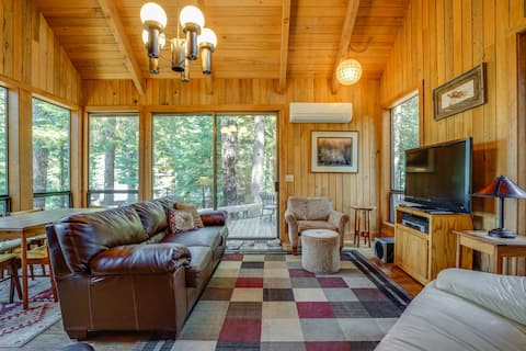 Dog-friendly cabin w/ deck, mountain views & access to shared pools & hot tubs!