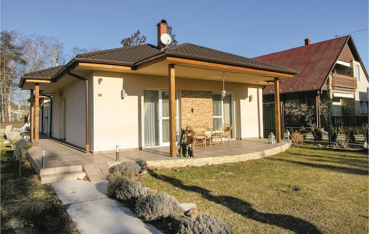 Holiday cottage with 2 bedrooms on 62m² in Balatonboglár