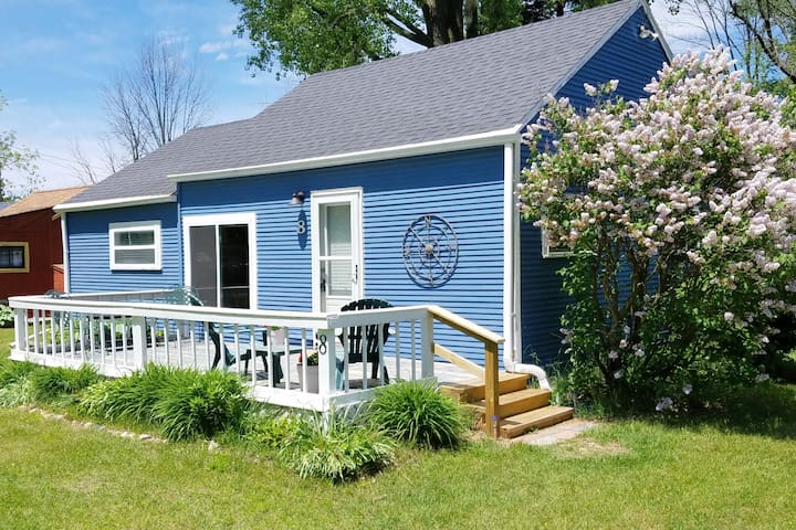 Harbor Beach getaway; sleeps 5