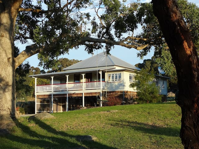 Loughmore House on the Granite Belt via Stanthorpe