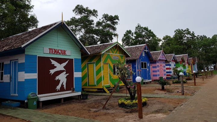 Camar Bulan Resort-Rainbow Cottage