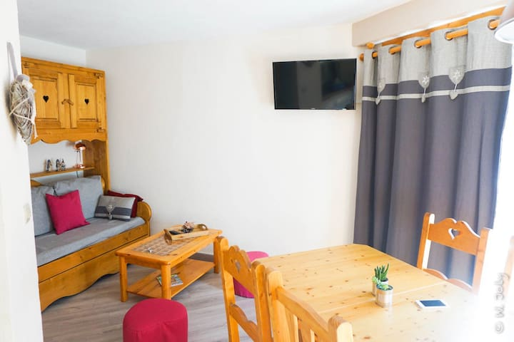 2 rooms, on slopes, charming apartement, wifi