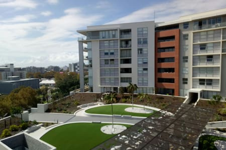 Inner city new apartment, great views and location - Newcastle West - Lejlighed