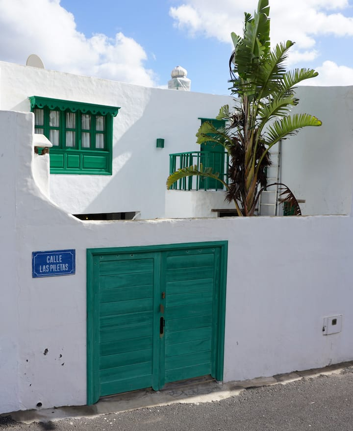 Apartment with small sea view ( Apt. cultural )