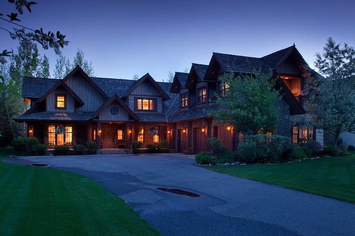 Shoshone Lodge