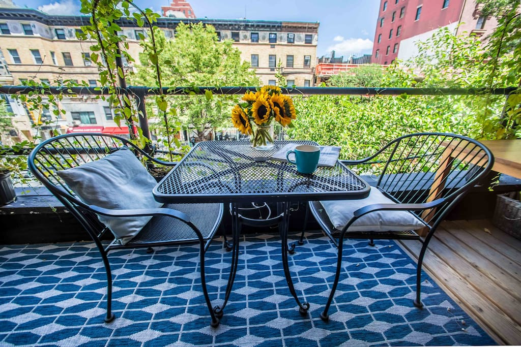 Charming outdoor space over looking 79th - you can see Bankse's 'Hammer Boy' across the street