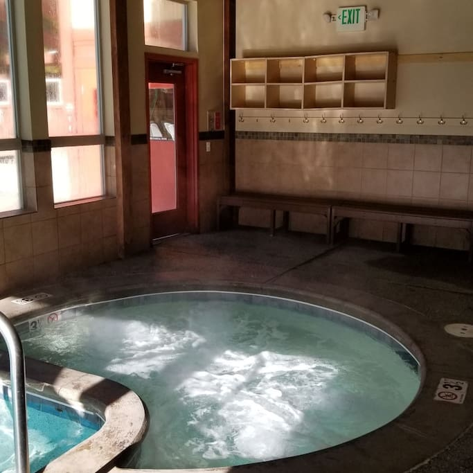 Community Hot Tub 1 Indoor and 2 Outdoor