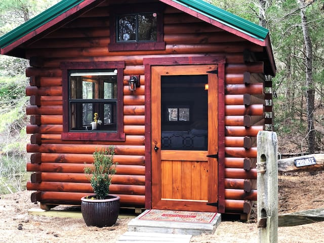 OFF GRID Cozy Cabin on the Cove - Nature Retreat