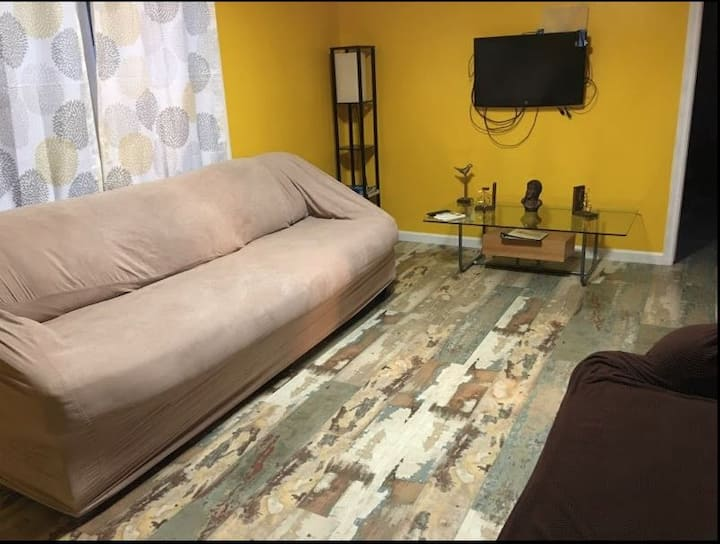 Centrally located Los Angeles Apt.