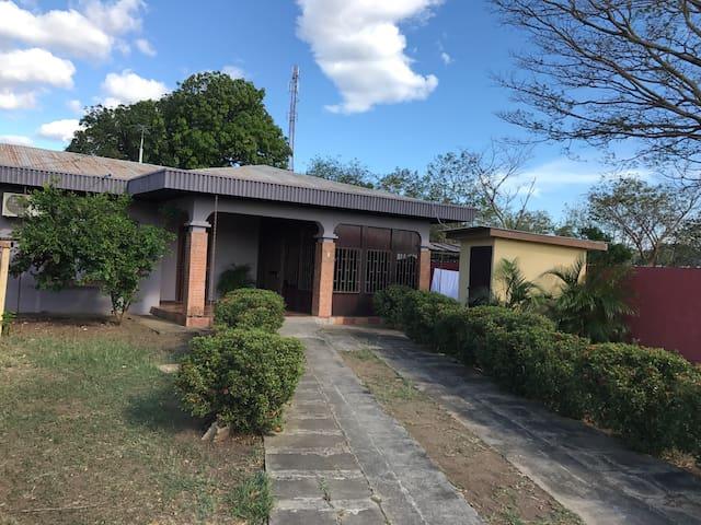 Casa Quinta a place to relax! - Cañas