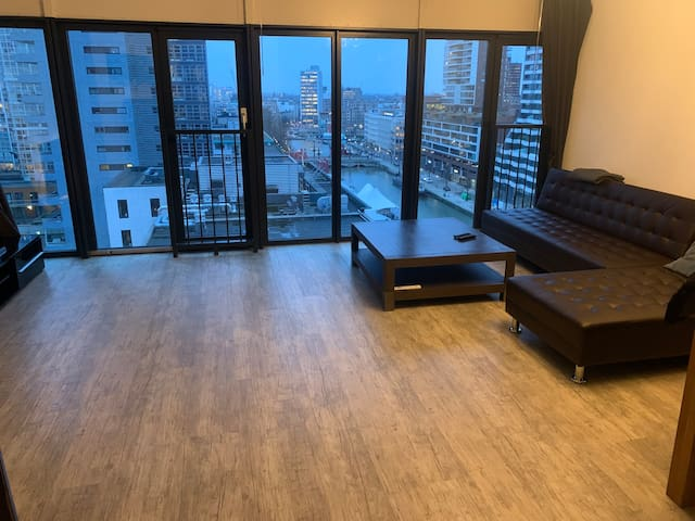 Luxury City Apartment with Great View FREE Parking