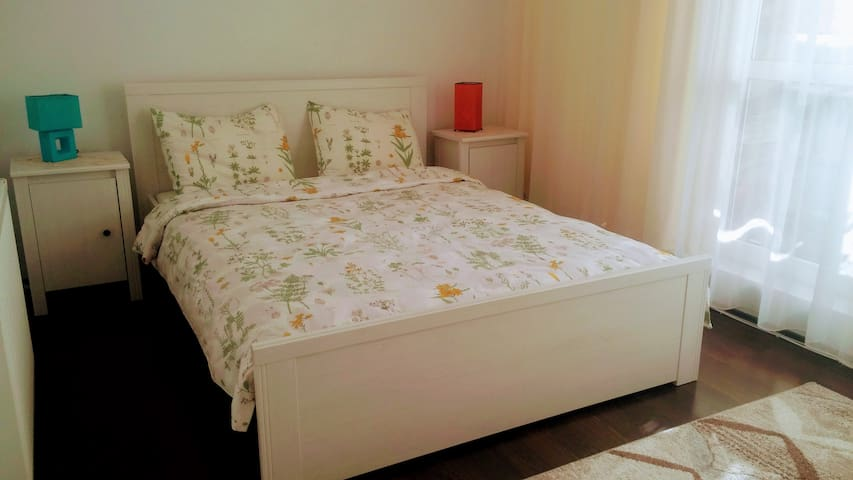 Cozy apartment, 10min away by bus from city center - Cluj-Napoca - Byt