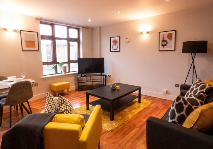 Modern Luxury 2 Bed Apartment Reading With Parking