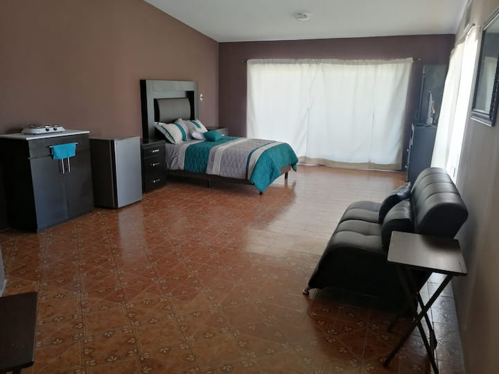 Suite 2 en Río Sena Cuatro Caminos