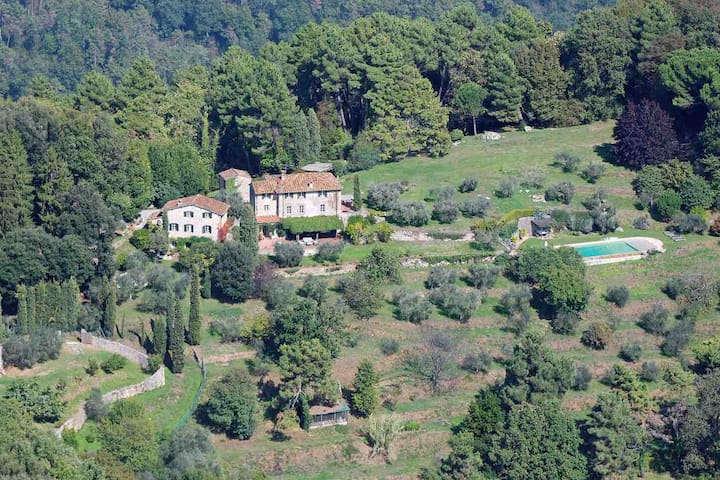 Enchanting country house near Lucca