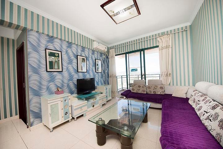 连住三晚赠豪华游艇游 三亚湾高层园景温馨舒适两室一厅家庭套房 步行海边5分钟