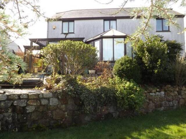 Lovely family summer retreat - คอนสแตนติน - บ้าน