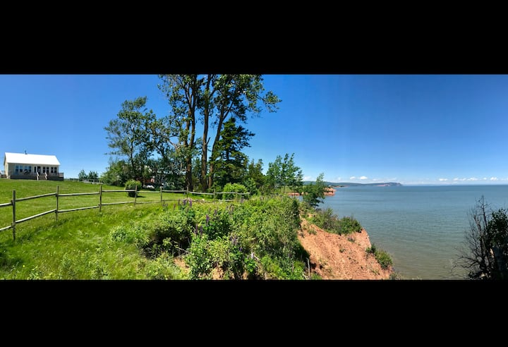 New cottage by the sea in Kingsport