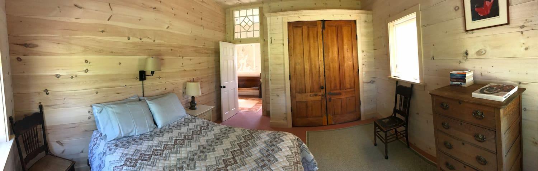 Bedroom (2)  showing queen size bed .