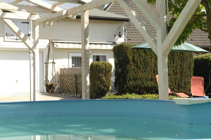 Wohnung mit Pool im Landhaus
