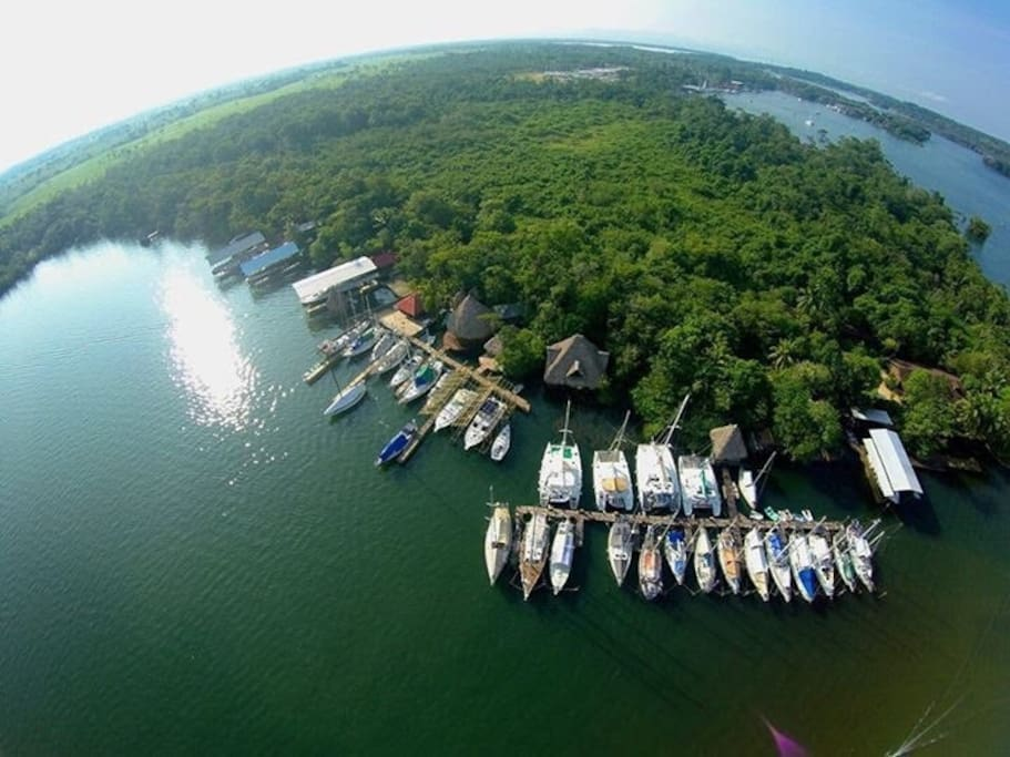 Monkey Bay Marina, our Paradies...