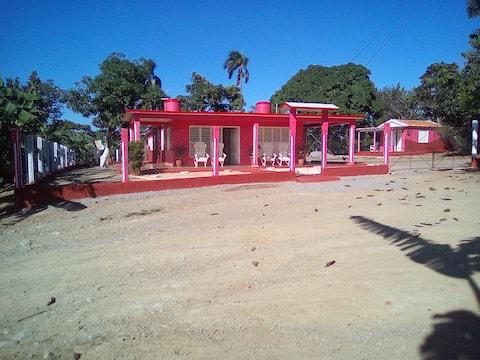 Villa Gustavo y Mary, Finca de Frutales