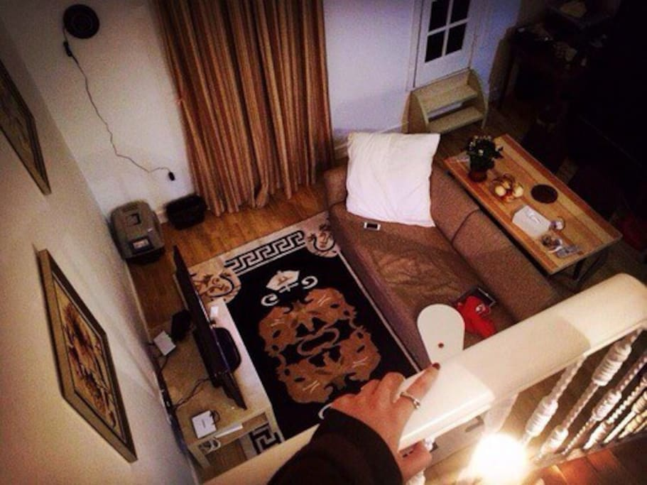 客厅的桌子、沙发床