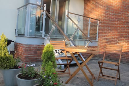 Luxury modern 2 Bedroom flat with private terrace