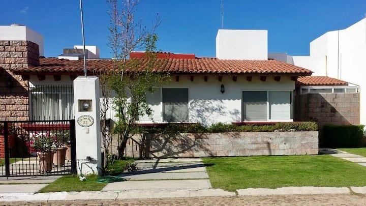 Casa & alberca privada en Tequis-Zona Viñedos