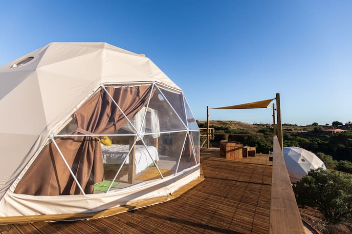 "Dome ""Carvalhal"" suspended in nature with sea view"