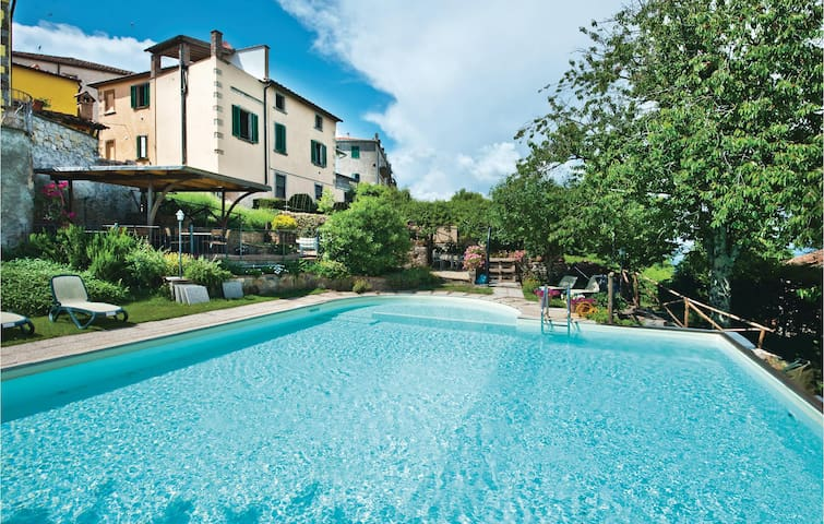 Semi-Detached with 2 bedrooms on 84m² in Boccheggiano GR