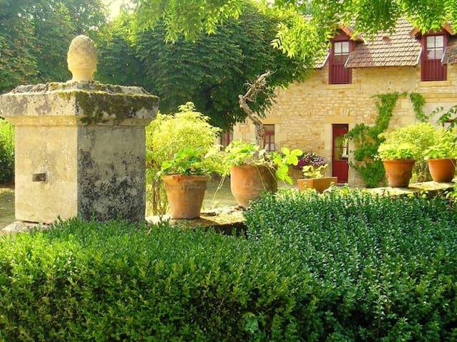Le Pavillon IV, kleinschalig park in de Dordogne