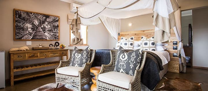 Charming Country Escape Room in Game Reserve