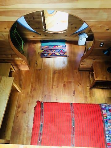 Treehouse Retreat - Glamping Plus