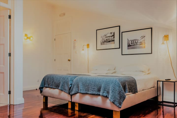 Comercial Azores Guest House  single room
