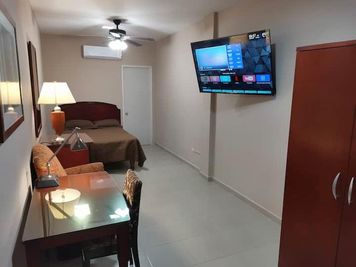 Habitación independiente muy acogedora y segura.
