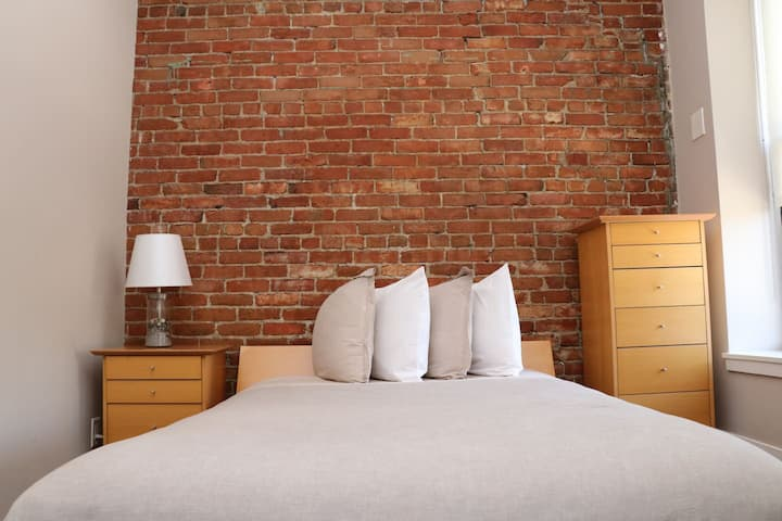 Stylish Downtown Studio in the SouthEnd, C.Ave# 31