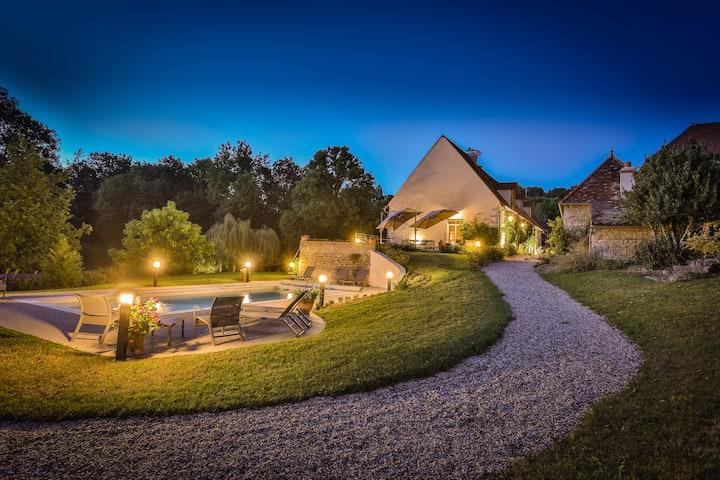 Luxury Burgundy Wine Estate