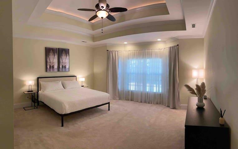 Master bedroom-King size