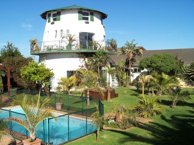 Cape Oasis -apartment with garden view
