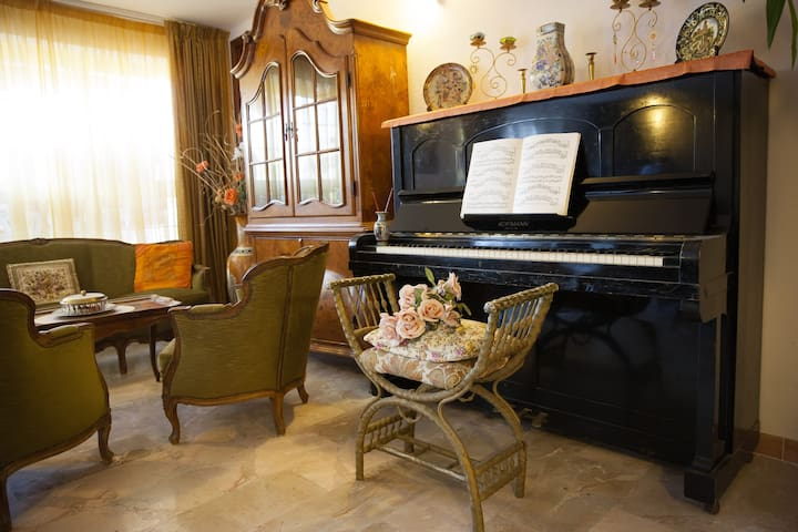 Italian style villa with pool in beautiful gardens - Soriano Nel Cimino - Appartement