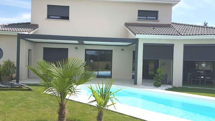 villa contemporaine  en campagne