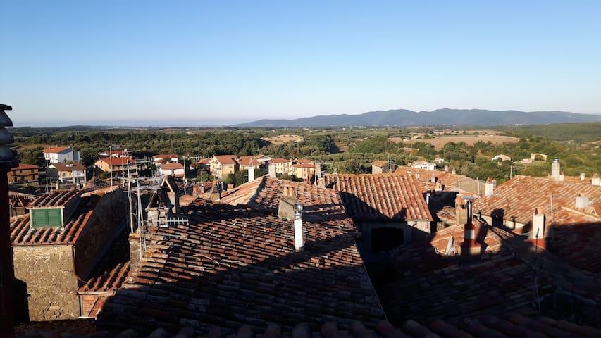 Sui tetti di Farnese