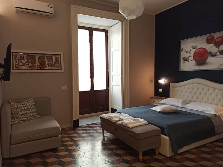 King Double Room in Catania's Historical Center