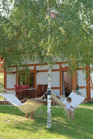 Stylowy domek nad kaszubskim jeziorem