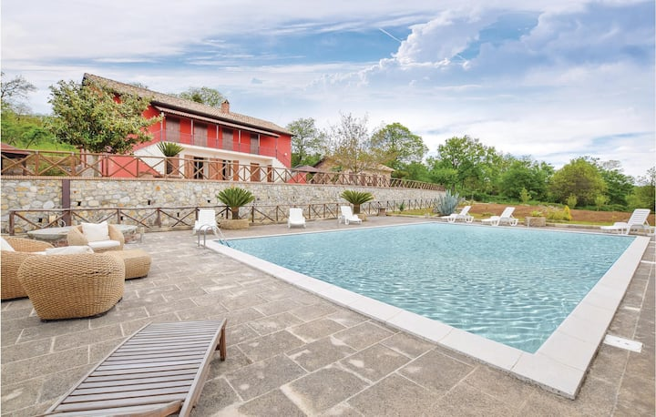 Holiday cottage with 5 bedrooms on 300m² in Olivadi CZ