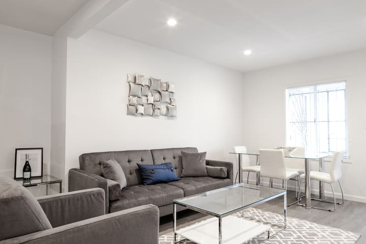 Modern Remodeled-Love it  1806 - Los Angeles - Apartment