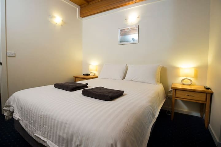 Enzian Hotel on Mt Buller - One Bedroom Apartment – Ground Floor