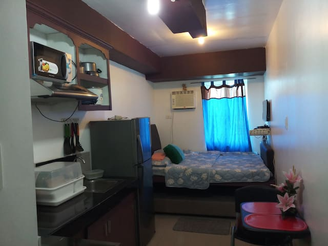 MPlace condo unit w/ free wifi