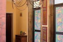 「松鼠家·1」钟楼大唐不夜城/地铁3站即达大雁塔/地铁4号线和平门站直达西安北站机场/城墙边舒适的家